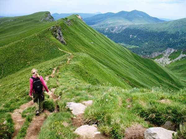 ridge walking tour of sancy mountain trail